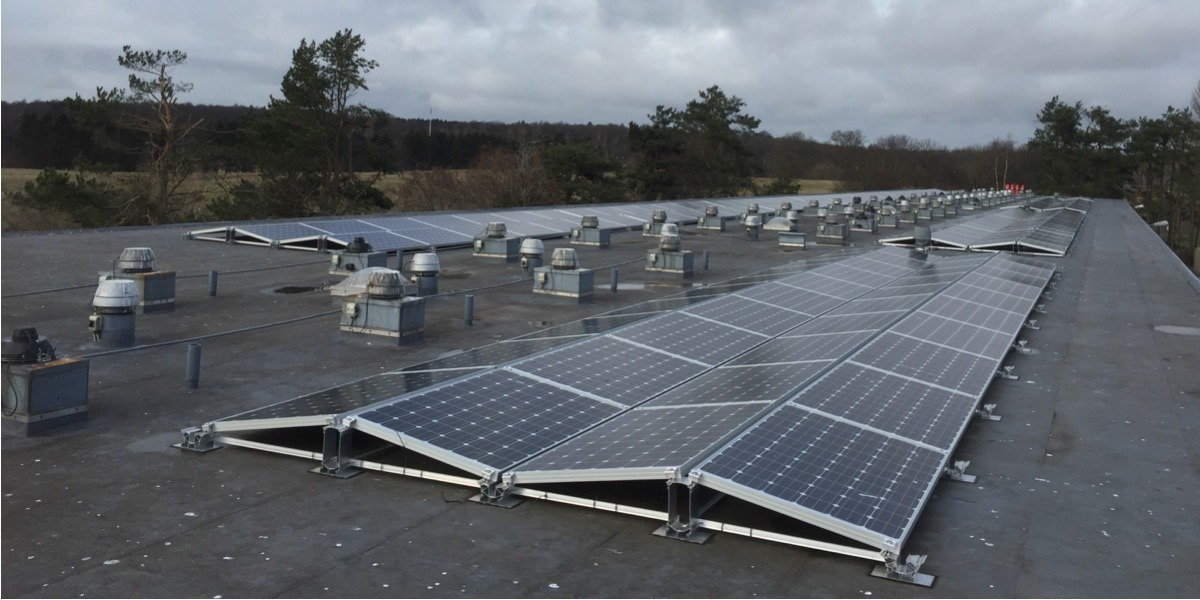 solceller fladt tag øst vest hældning